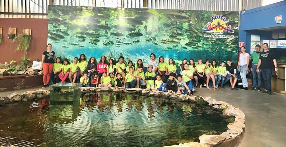 Aquário de Bonito recebe grupos de estudante