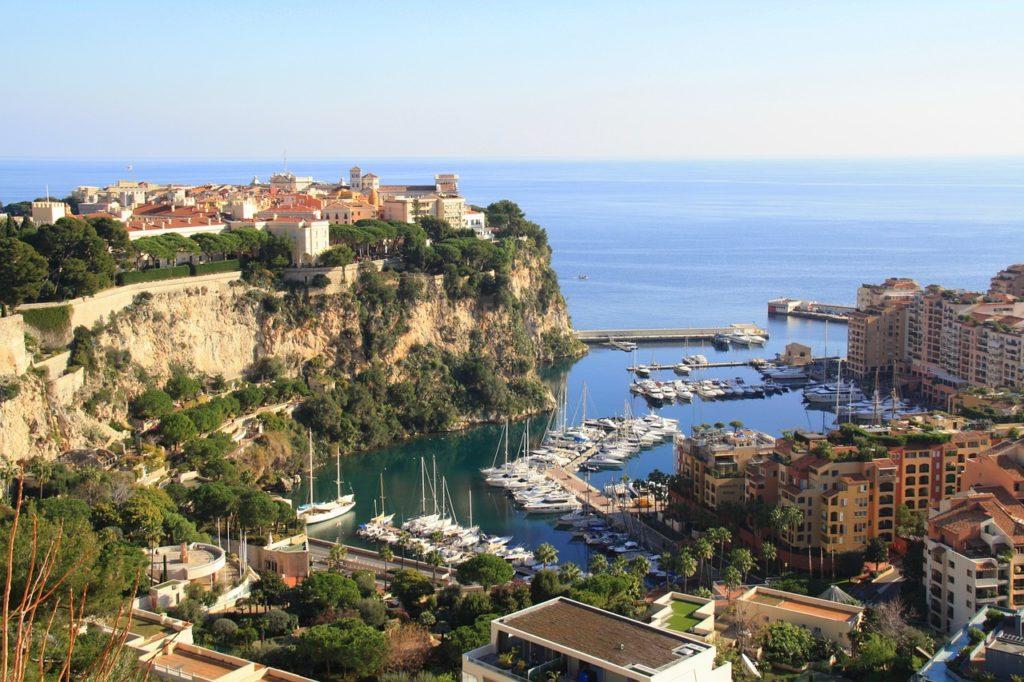 Viajar sozinha é um sonho e Mônaco está na lista dos destinos europeus