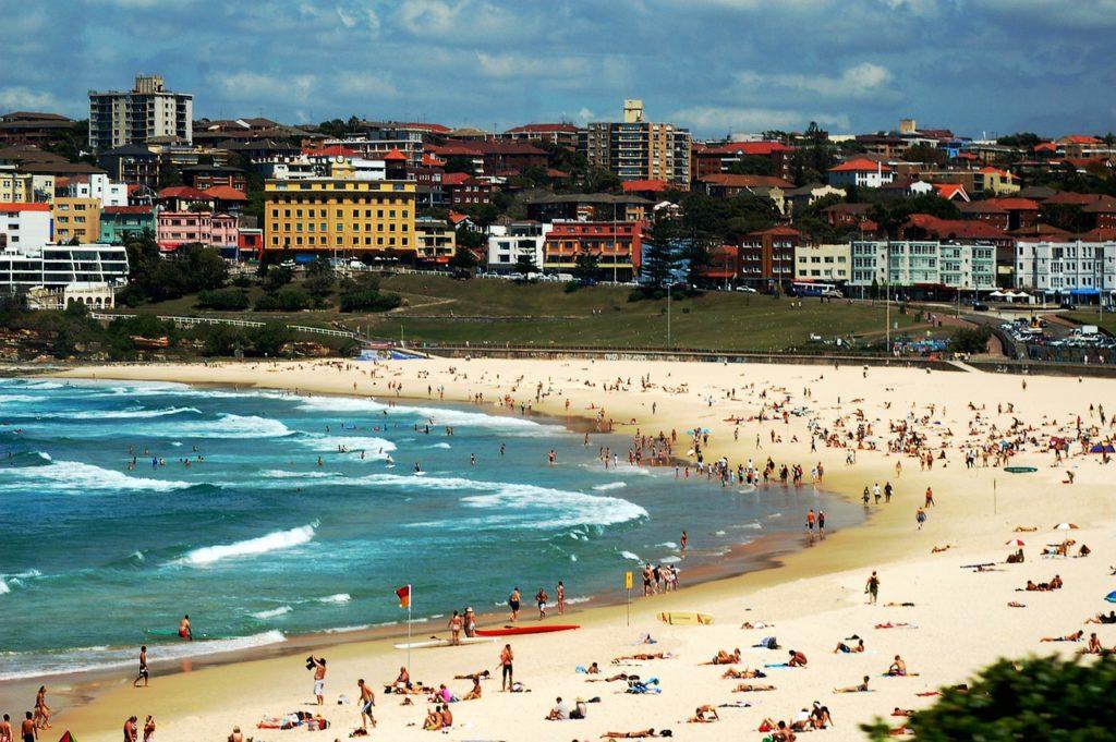 Bondi Beach é uma das mais famosas praias de Sydney