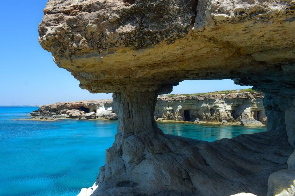 Praias e natureza entre as coisas para se fazer no Chipre