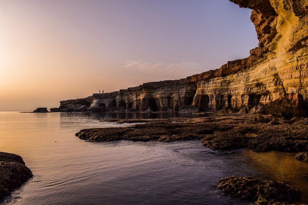O Chipre reabrirá e até pagará caso algum visitante contraia a doença lá
