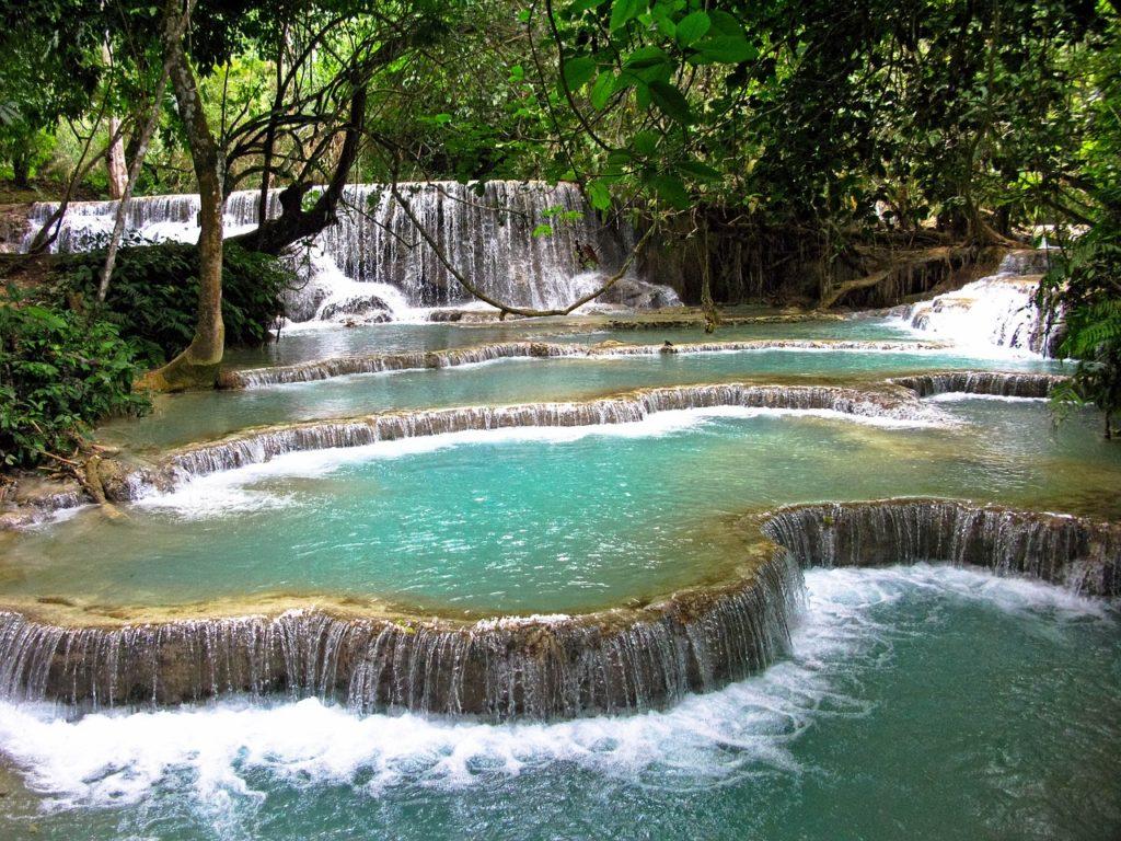 As cachoeiras fazem parte das 7 dicas de viagem sobre o Laos