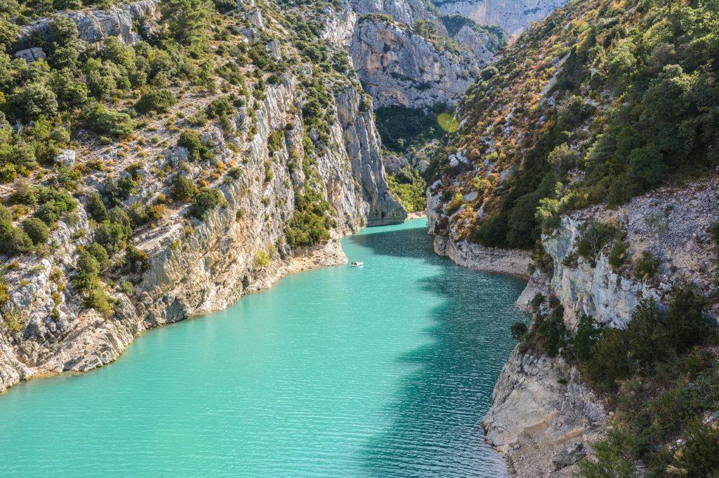 Dos 7 países que possuem cânions incríveis, este da França é totalmente diferente pela cor do rio