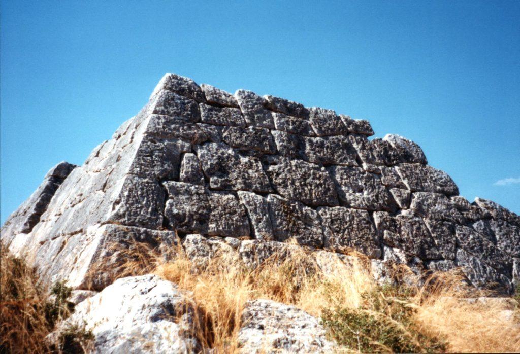 Grécia na lista dos 7 países que possuem pirâmides
