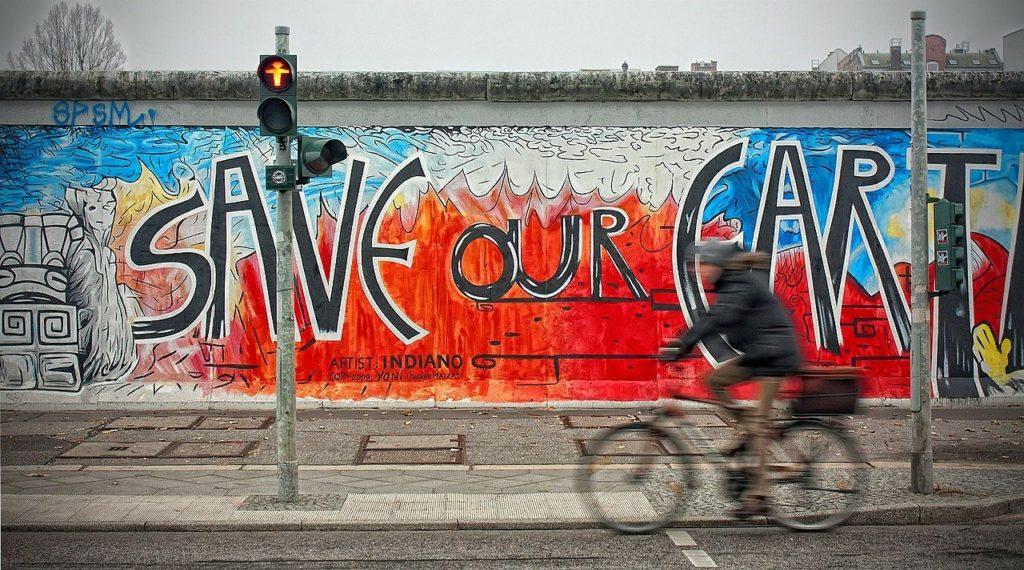 Entre as maravilhas de Berlim está a exposição ao ar livre