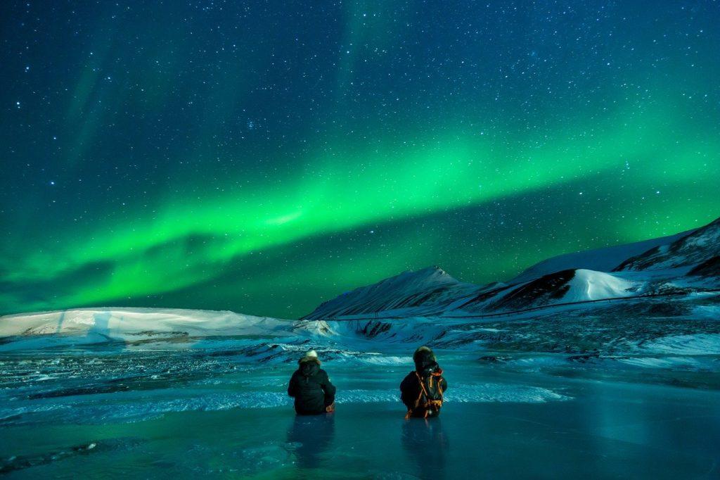 A aurora boreal está entre os programas de o que fazer na Suécia