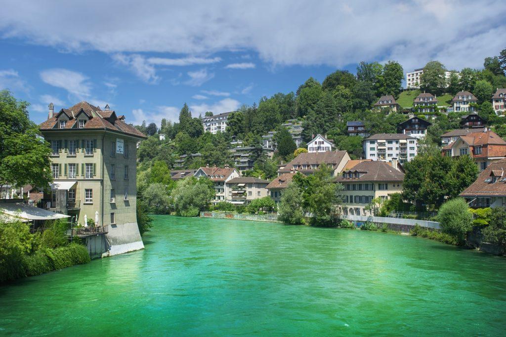 Berna é a capita e está na lista sobre o que fazer na Suíça