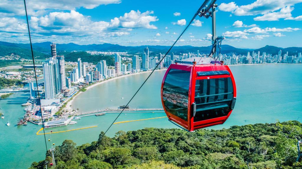 Os 10 teleféricos mais incríveis do mundo: parque Unipraias em Balneário Camboriú (SC)