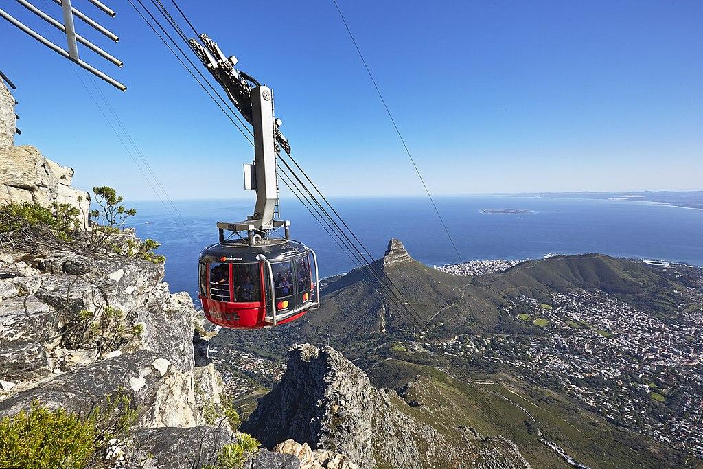 A vista é um dos presentes deste equipamento de Cape Town que integra os 10 teleféricos mais incríveis do mundo