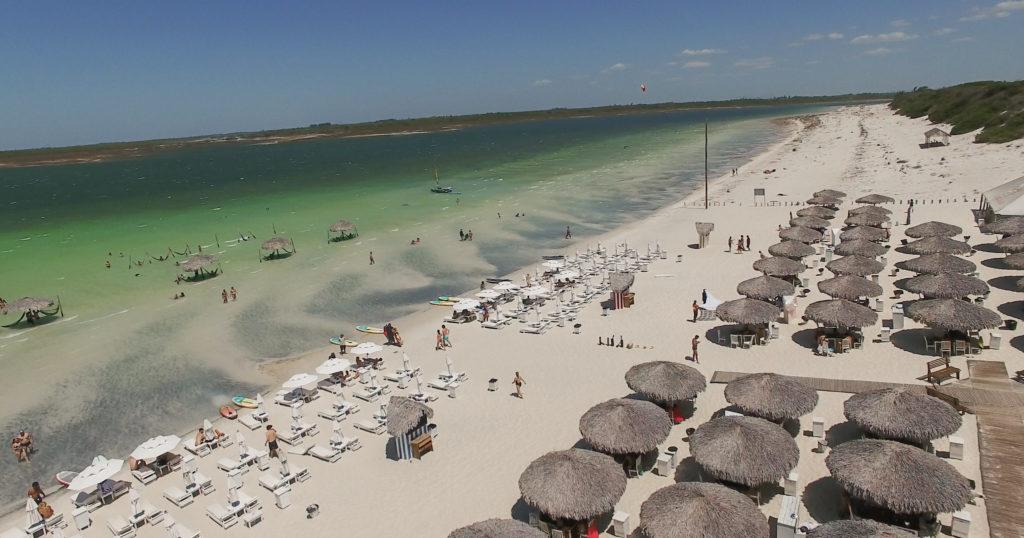 As praias e lagoas são os atrativos principais de Jericoacoara