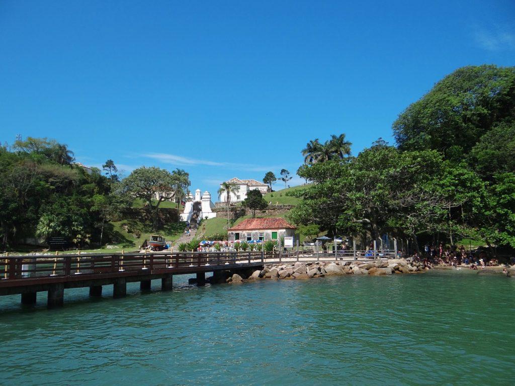 Florianópolis tem muita história e faz parte da nossa lista sobre os lugares para conhecer no outono brasileiro