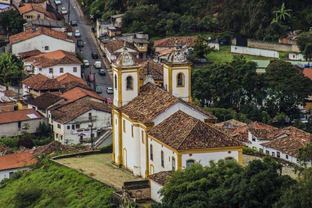 Minas Gerais tem como um dos representantes a cidade de Ouro Preto e está na lista dos 12 lugares para conhecer no outono brasileiro