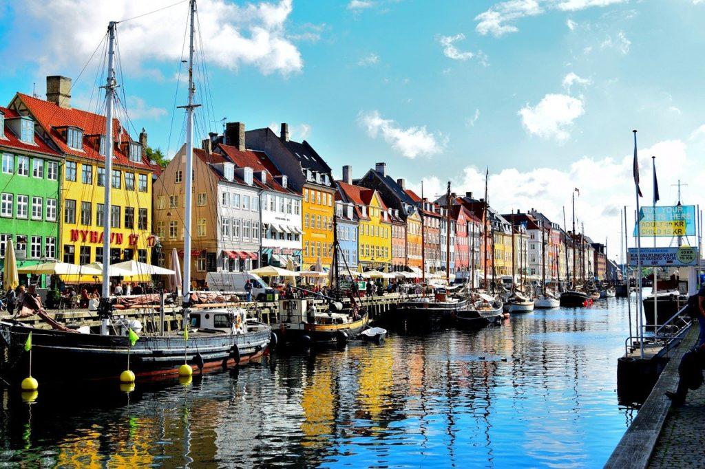 Copenhague é a capital e um dos 4 motivos para viajar para a Dinamarca