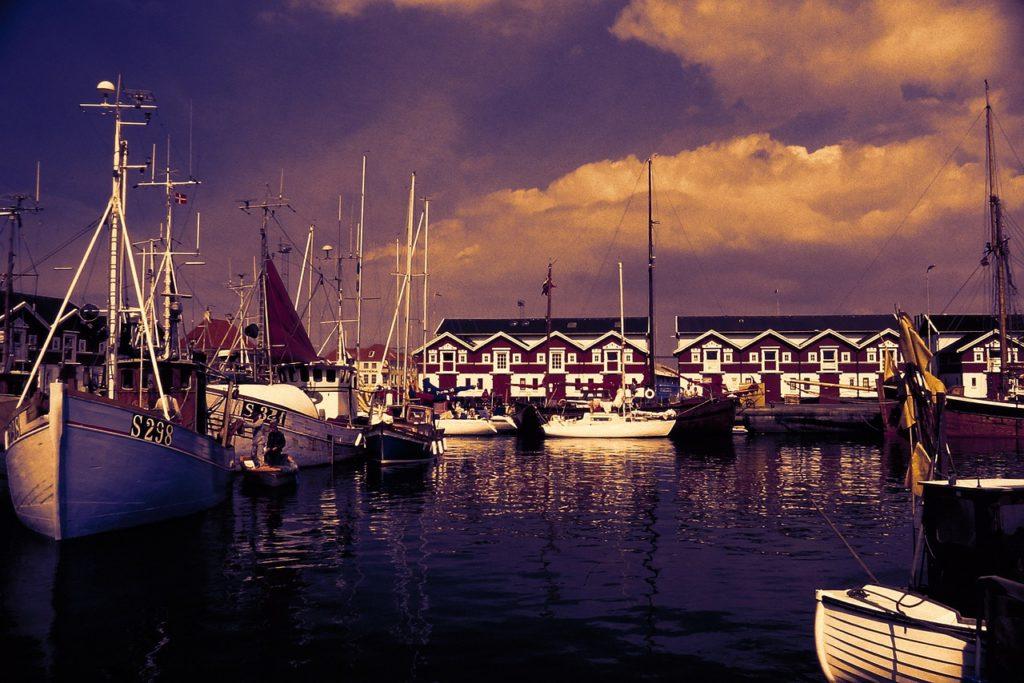 O litoral da Dinamarca está entre os vários motivos para se viajar para lá