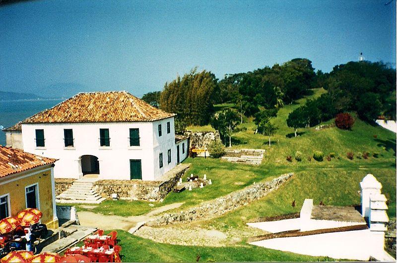 Em Santa Catarina, Anhatomirim entra na lista das 5 ilhas que podem ser visitadas no Brasil