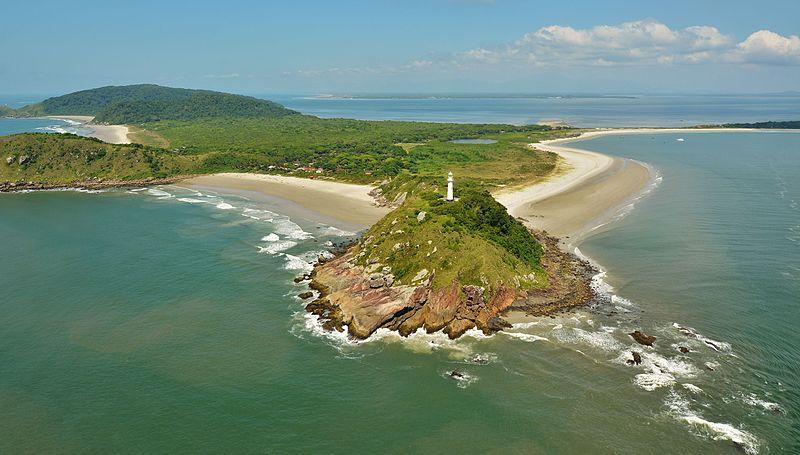 No Paraná, a Ilha do Mel também é uma das ilhas que podem ser visitadas no Brasil