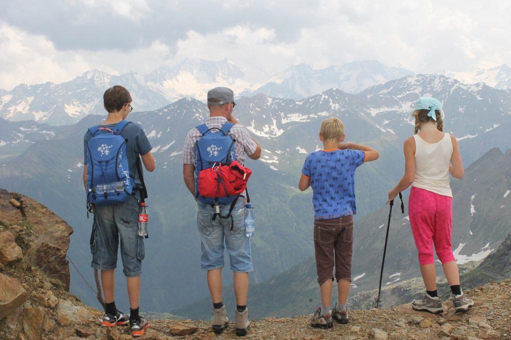 Os programas gratuitos são vários, basta planejar para uma viagem em família sem muitos custos
