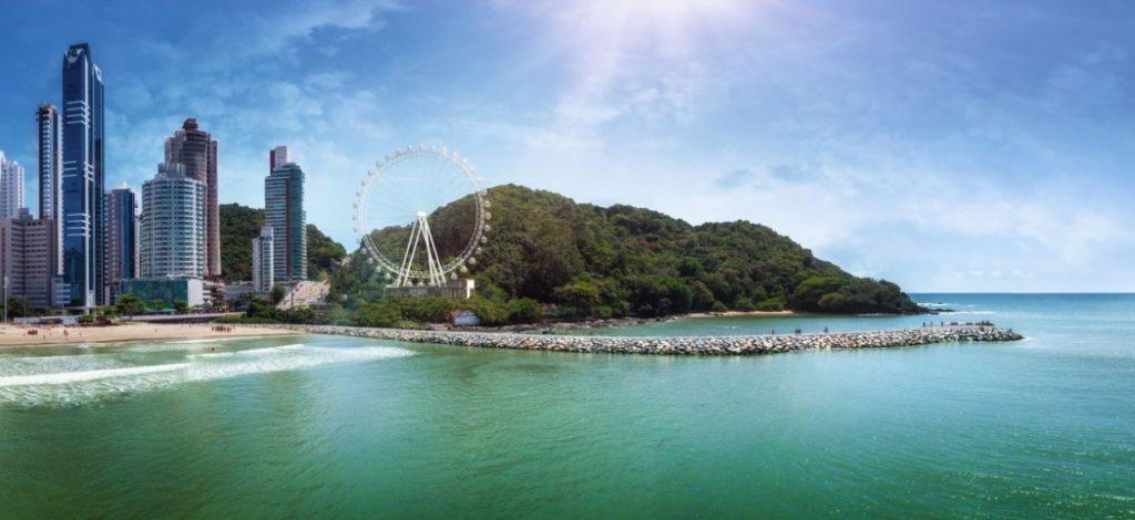 Esta é uma projeção do que será a roda-gigante de Balneário Camboriú