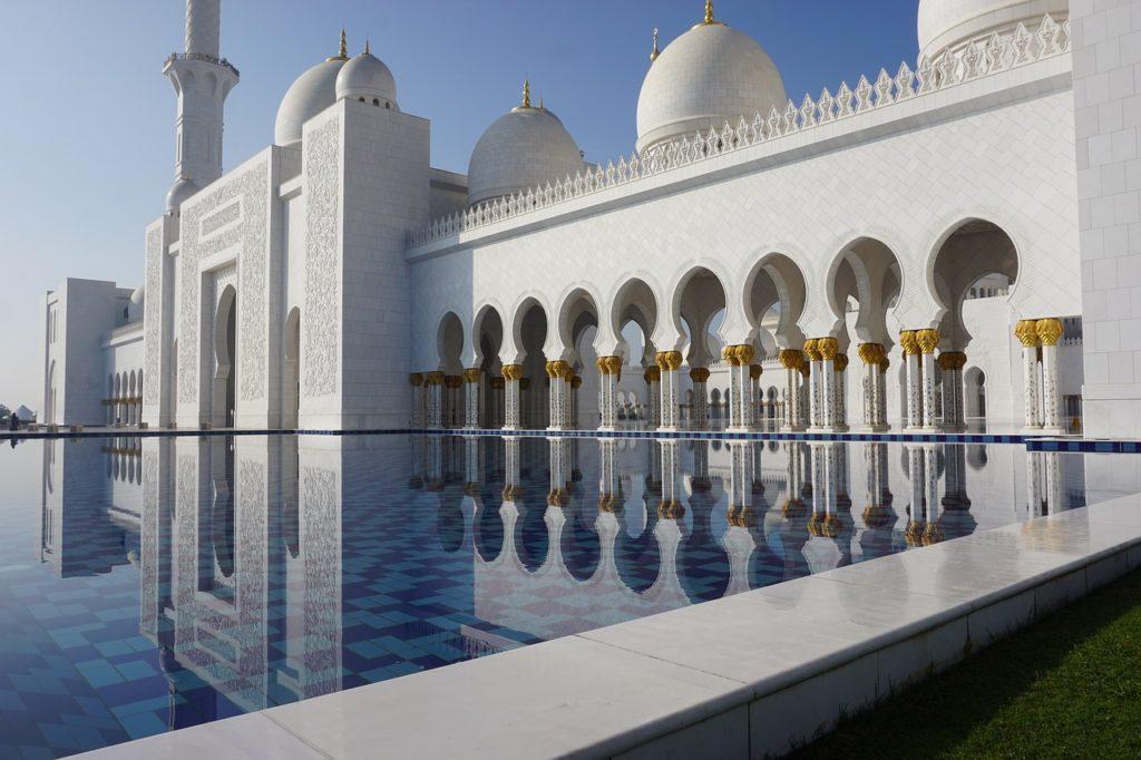 Em Sex And The City 2 Abu Dhabi foi cenário da história. E por isso faz parte da nossa lista dos filmes que inspiram viagens