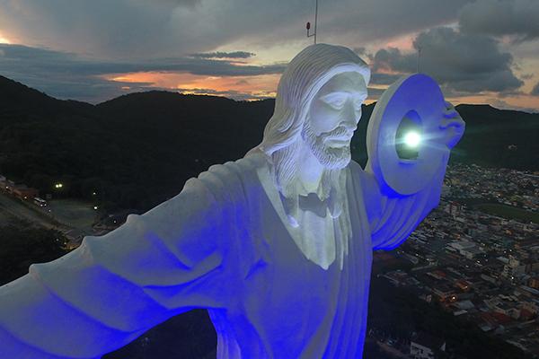 Espaço para eventos, restaurante, lanchonete e loja fazem do Cristo Luz um atrativo para os dias de chuva em Balneário Camboriú