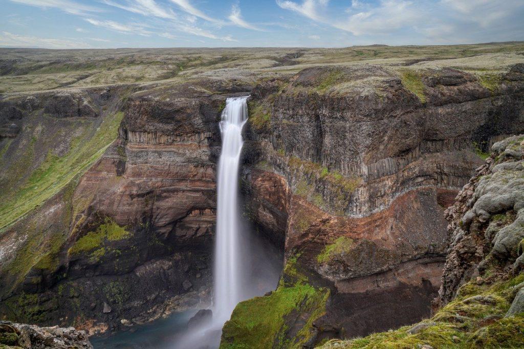 As cachoeiras são comuns e sem rios!