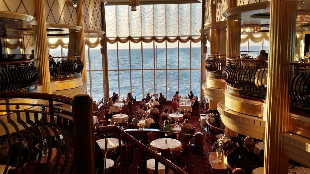 Nem toda viagem marítima é sistema open bar e open food. Fique atento ao seu pacote