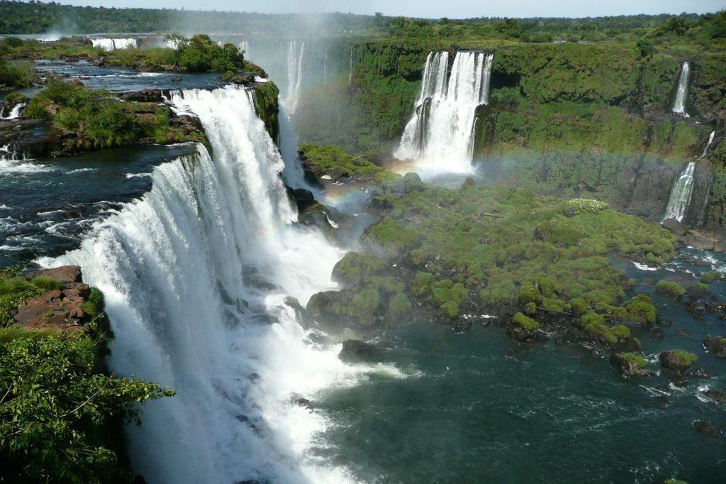 Indiscutivelmente as Cataratas do Iguaçu fazem parte dos mais lindos locais de todo o Brasil