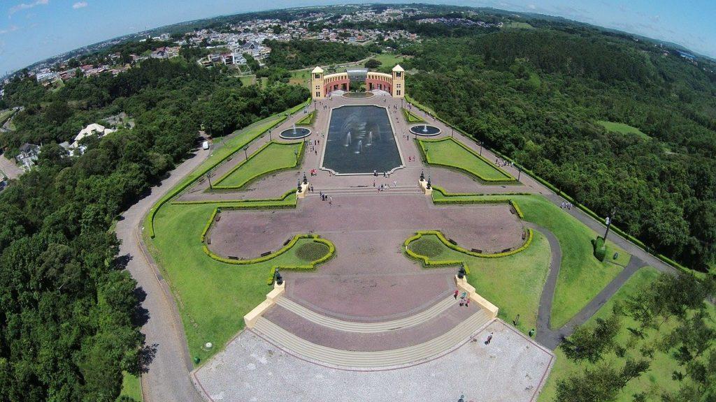 O Paraná é a grande surpresa da lista da CNN com três locais entre os 10 mais lindos do Brasil.