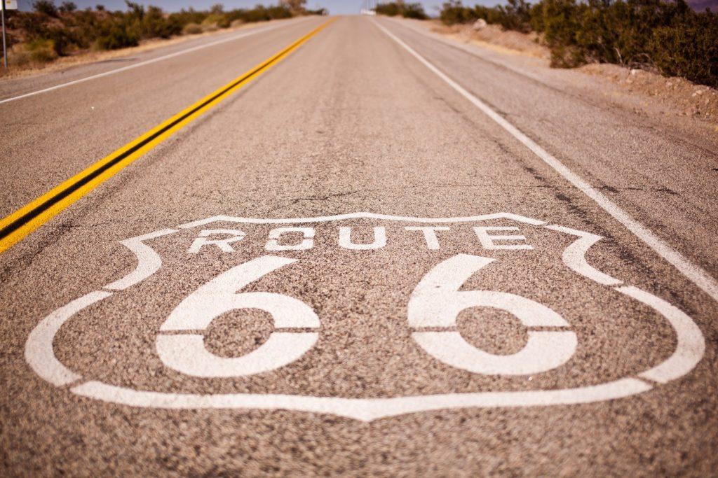 A Rota 66 tem quase 4 mil quilômetros e também está entre os melhores destinos para viagens de carro