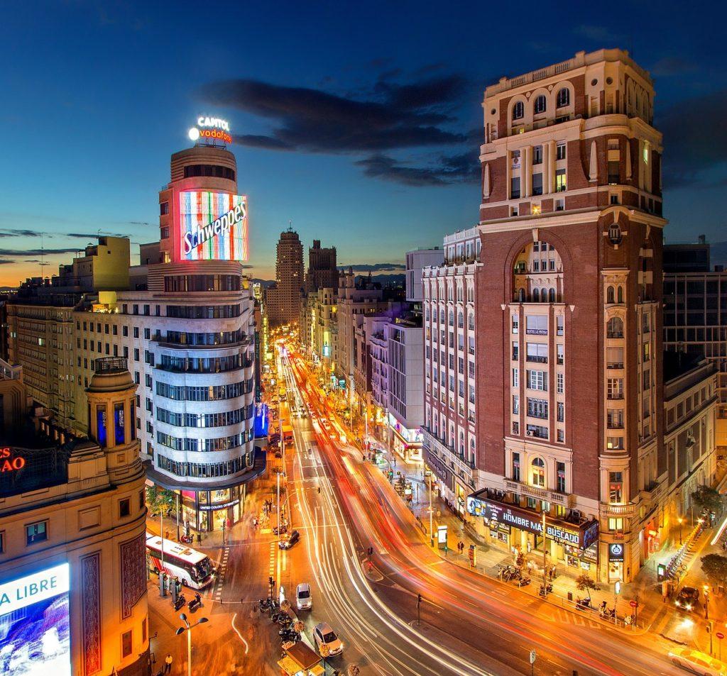 Serviço de streamming popularizou as séries de outras partes do mundo, como La Casa de Papel que coloca Madri na lista das 7 cidades que são cenários para séries