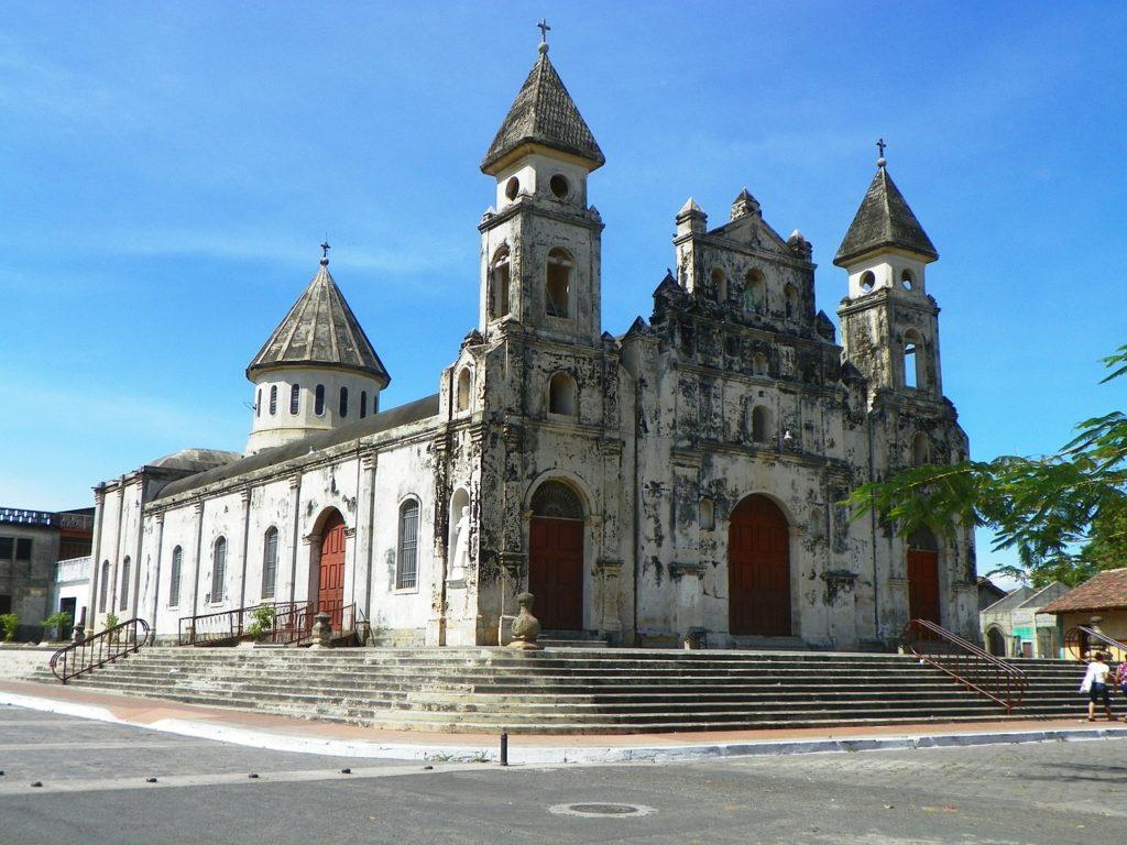 Mesmo com histórico de insegurança, Nicaraguá mudou e está bem recebendo os visitantes