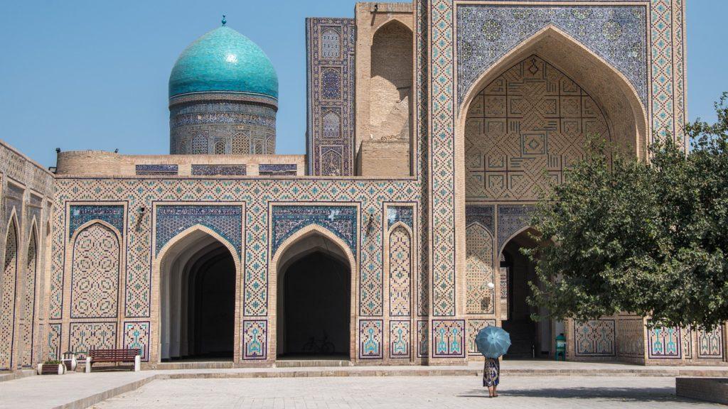 Com nome difícil, mas muito o que se visitar, o Usbequistão também merece o reconhecimento dos turistas