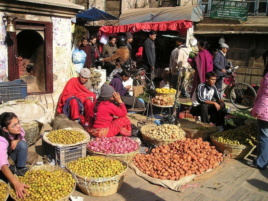 Comida de rua ou de restaurantes?  Como é viajar sozinha para o Nepal?