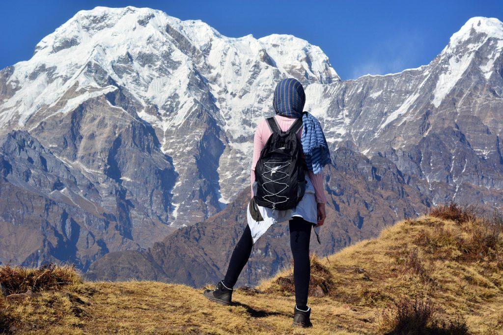 Além de toda a cultura e religiosidade, quem viaja sozinha para o Nepal pode fazer ecoturismo e turismo de aventura