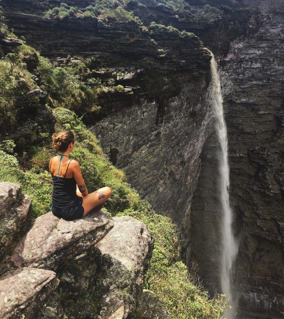 A Cachoeira da Fumaça é uma das maiores do país e fica na Chapada Diamantina
