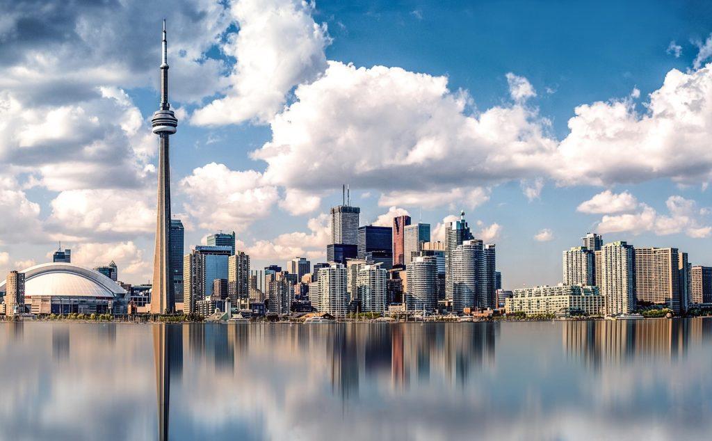 Cidades como Toronto são ótimos locais pela diversidade e pela abertura que a comunidade local dá