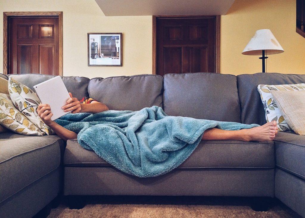 Os melhores aplicativos de viagem podem descolar hospedagem em sofás de anfitriões pelo mundo