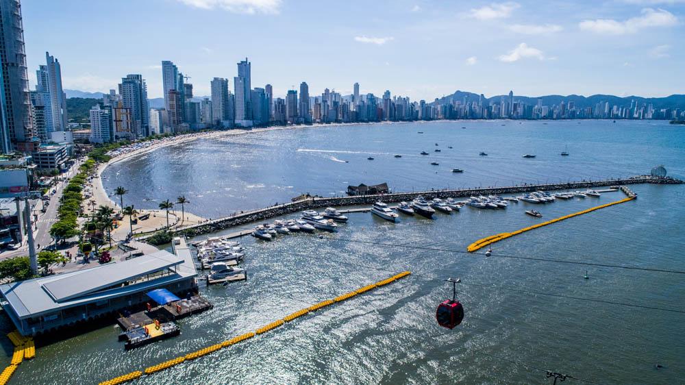 O atracadouro Barra Sul trouxe comodidade para quem chega de transatlântico a Balneário Camboriú