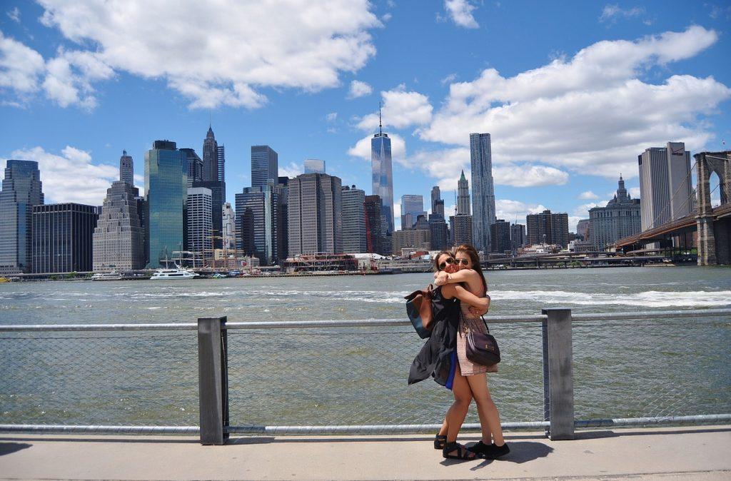 Casais modernos vão se encontrar em Nova York