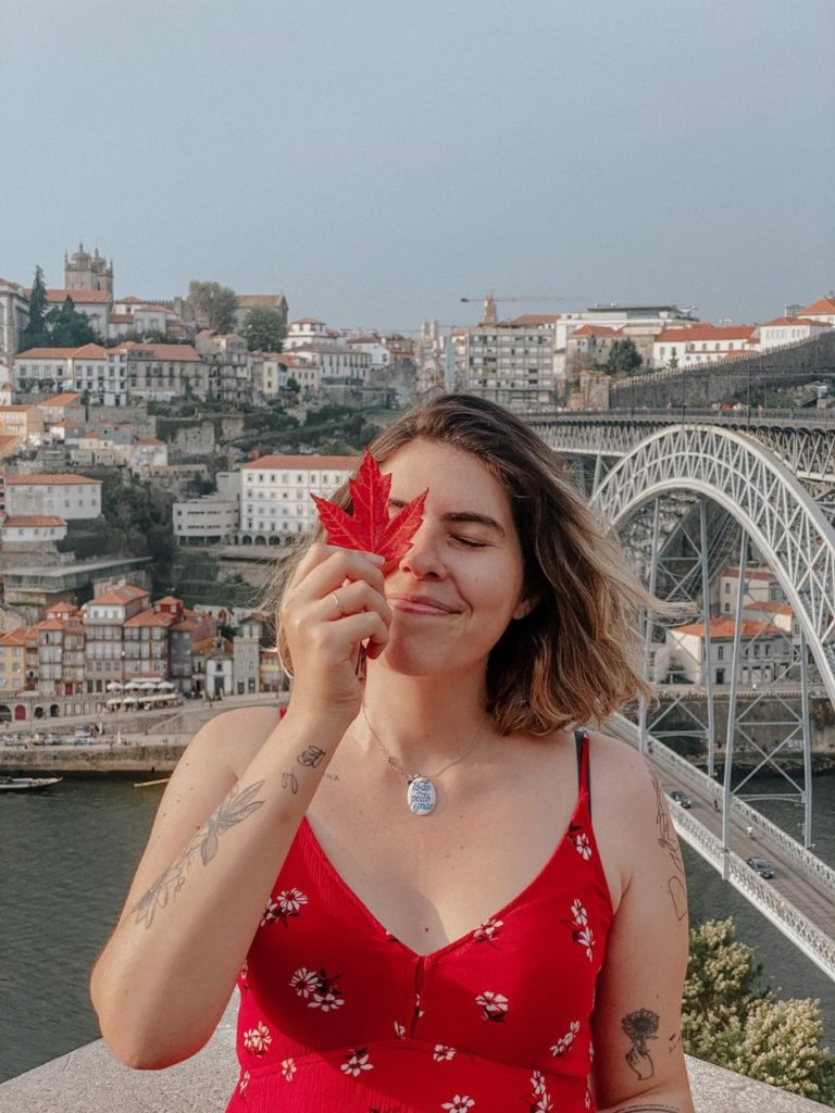 Camila, do Maracujá Roxo, está vivendo em Portugal há alguns anos já