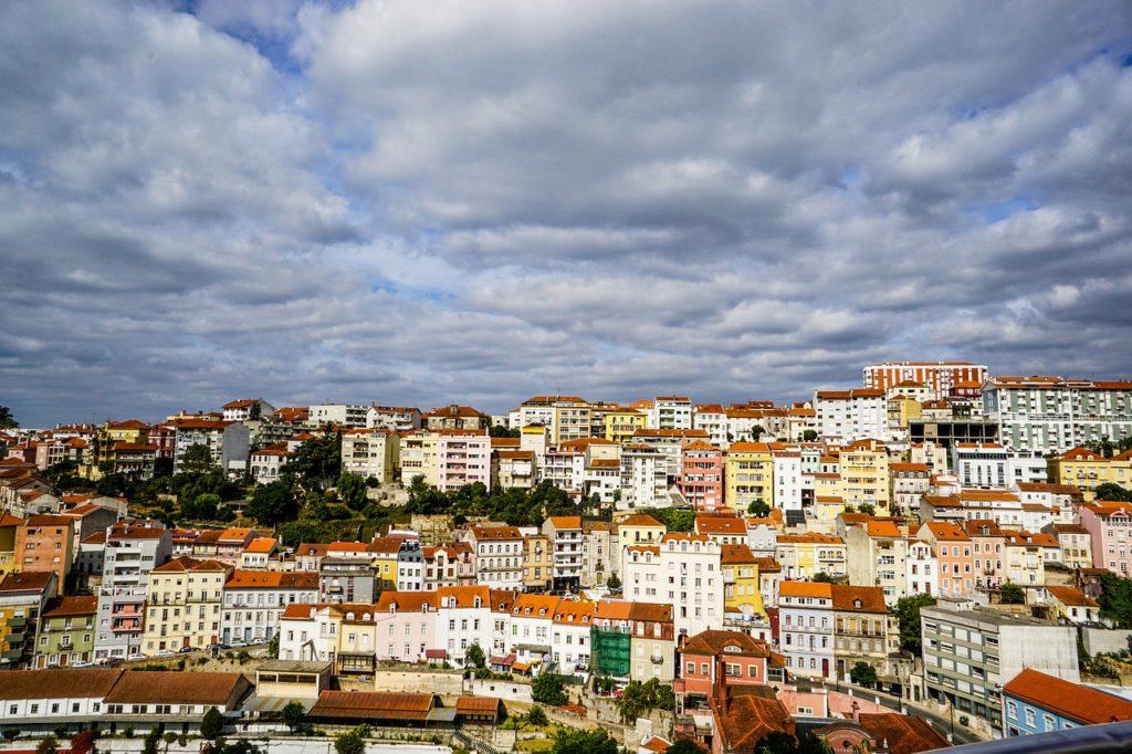 As várias regiões de Portugal combinam com as estações do ano e cada uma sustenta uma visita