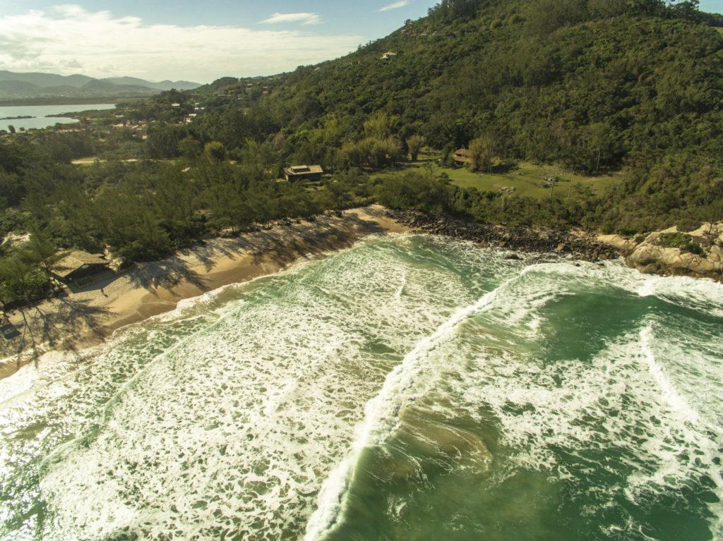Praias como a Ferrugem está entre as atividades previstas para Garopaba