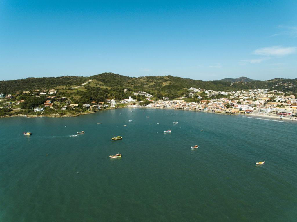 Há vários atrativos turísticos em Garopaba, Santa Catarina