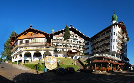 Diferentes hotéis e pousadas estão na lista de onde se hospedar em Treze Tílias