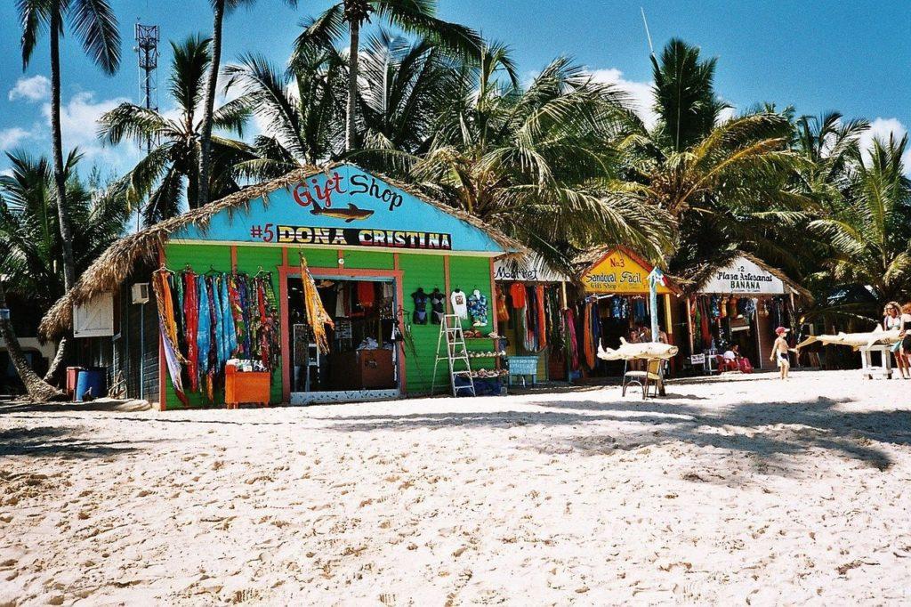 O passeio em ilhas vizinhas e que pertencem à República Dominicana vale à pena