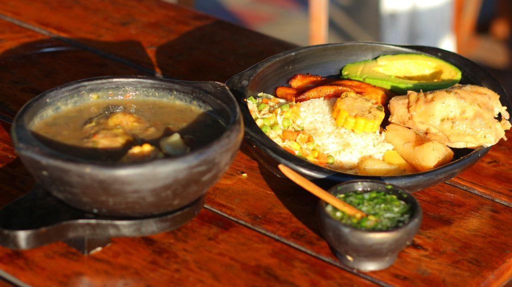 As comidas variam em cada uma das regiões do país, mas há algo muito forte em comum: o uso de frutos do mar