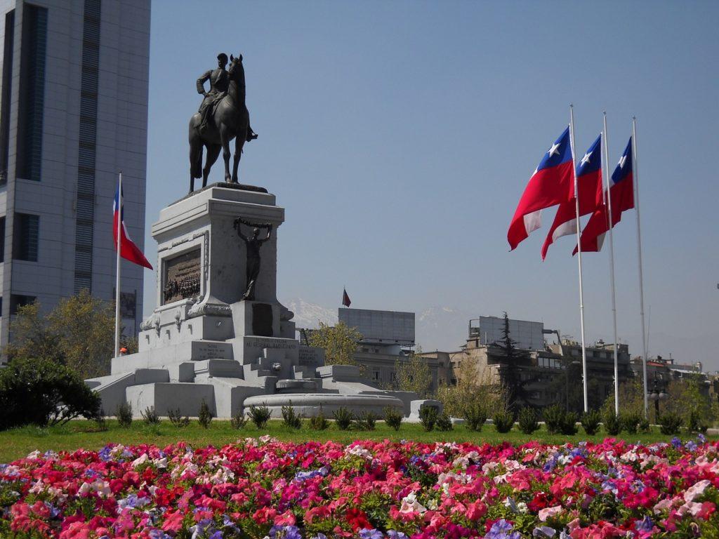 Entre os principais atrativos da região de Santiago estão monumentos e arquitetura históricos