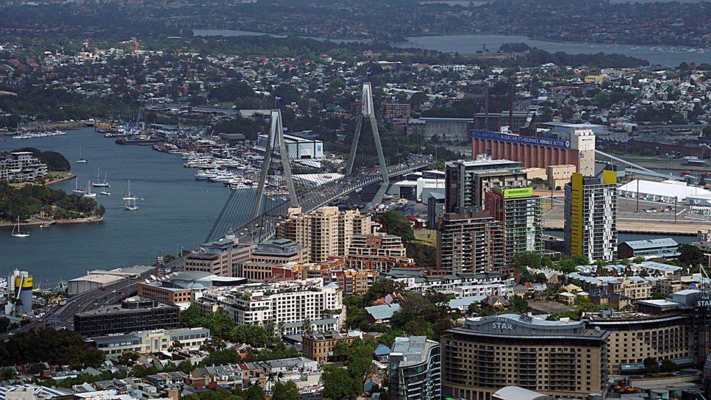 Comer e comprar também fazem parte dos programas do viajante em Sydney