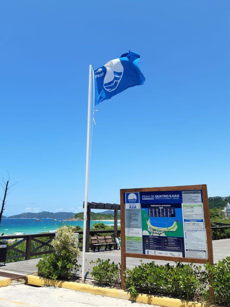 Quatro Ilhas é uma das praias de Bombinhas com Bandeira Azul
