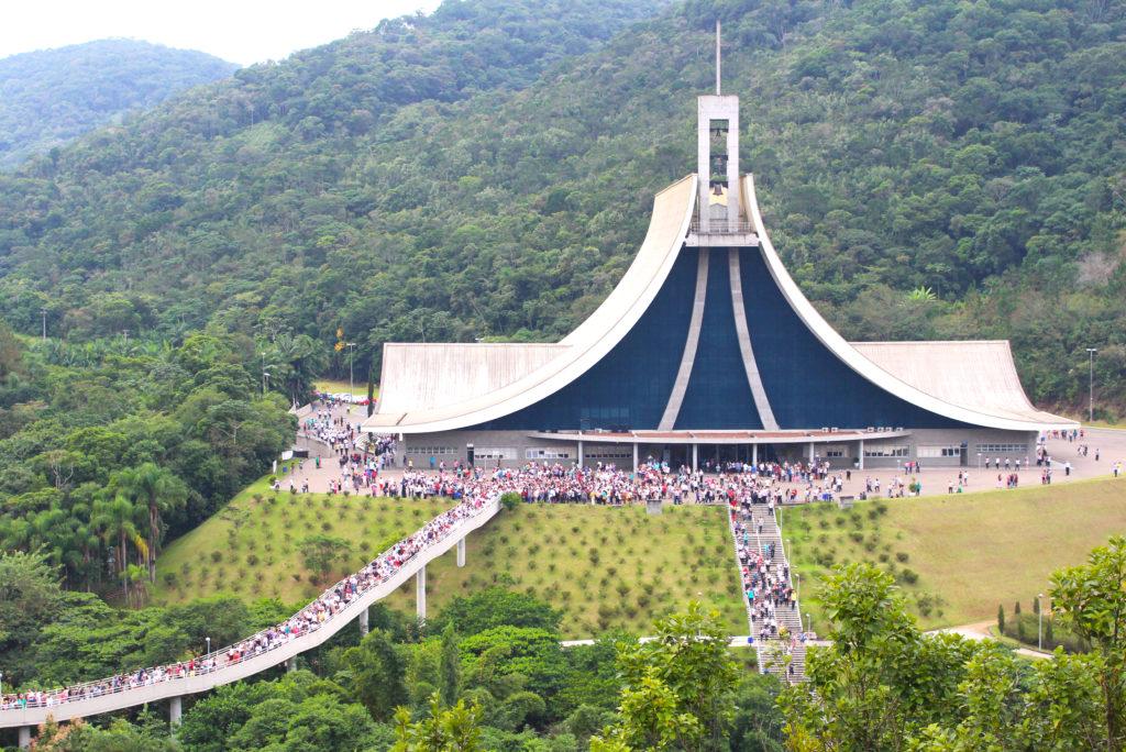 Santa Paulina é o maior dos santuários de Santa Catarina e o segundo maior do Brasil
